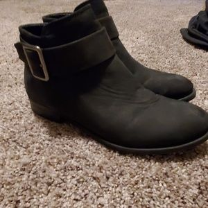 Leather booties black